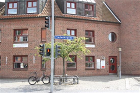Klinikfællesskab til leje i Hillerød. Ledigt erhvervslokale: 80 m2 Klinikfællesskab udlejes i ...