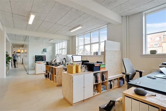 10 - 200 m2 kontorfællesskab i Århus C til leje