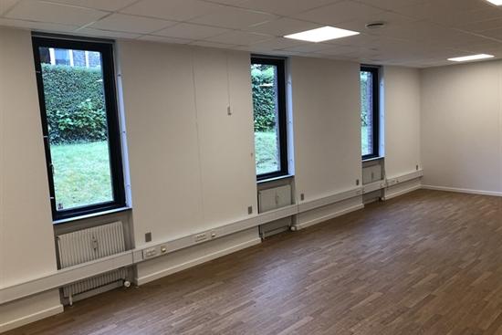 104 m2 klinikfællesskab, kontor i Frederiksberg til leje