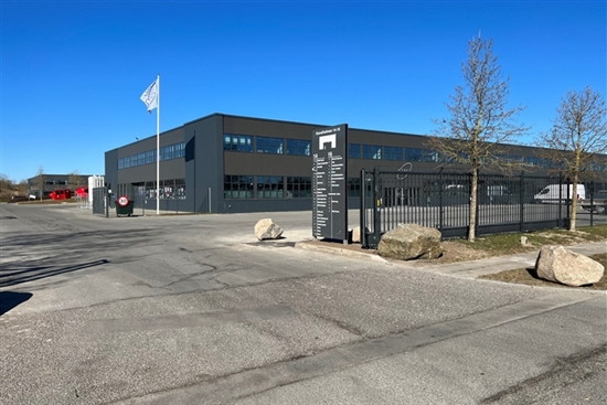 828 m2 lager, kontor i Hvidovre til leje