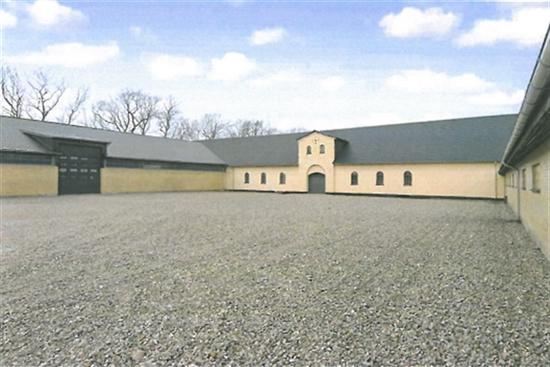 630 m2 lager i Storvorde til leje